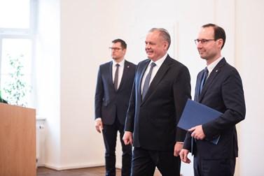 Prezidenta přivítal na fakultě sociálních studií její děkan Břetislav Dančák. Foto: Tomáš Hrivňák