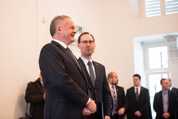 Děkan Břetislav Dančák hostil vaule fakulty sociálních studií slovenskou hlavu státu Andreje Kisku. Foto: Tomáš Hrivňák