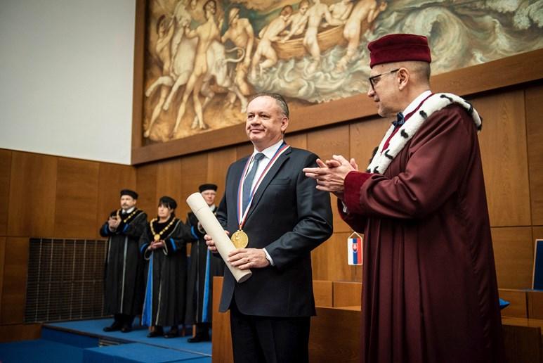 Kiska získal ocenění za své činy v prospěch demokracie a lidstva. Foto: Tomáš Hrivňák
