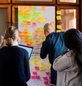 Design informačních služeb, rozhraní a interakcí
