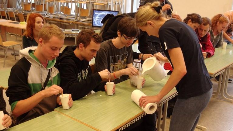 Výroba zmrzliny z kapalného dusíku