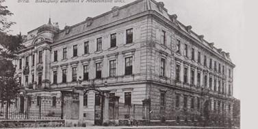 Chtěli byste studovat za Františka Weyra? Trochu jiná připomínka stého výročí brněnské právnické fakulty