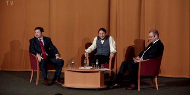 Kandidáti na rektora Masarykovy univerzity se utkali v debatě. Jaké jsou jejich postoje?