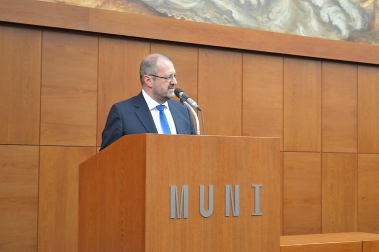 Docent Leichmann při svém úvodním projevu. Foto: Markéta Humplíková