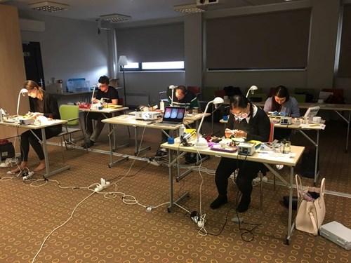03 Studenti Pracuji