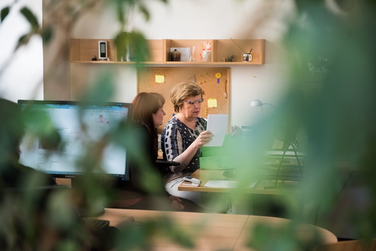 Mezi složité úkoly studijního oddělení patří například vyřizování přestupy studentů mezi obory i mezi fakultami. Foto: Tomáš Hrivňák