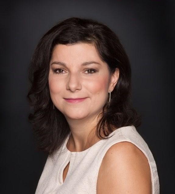 Dana Prudíková chtěla být novinářkou, zalíbilo se ji ale i právo. Nejraději tyto dva obory kombinuje. Foto: archiv Dany Prudíkové