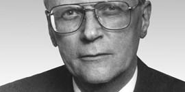 Zemřel emeritní profesor Jaromír Švestka