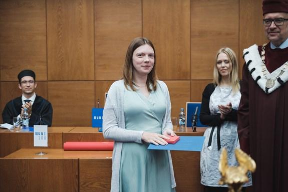 Martina Šmahelová za svou práci ve výzkumu obdržela Cenu rektora pro vynikající doktorské studenty. Foto: archiv Martiny Šmahelové