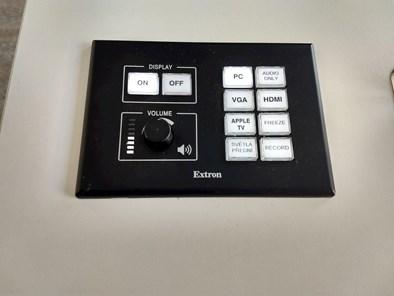 Tlačítkový panel