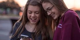 Nová výzkumná zpráva: Chování dospívajících sepilepsií na internetu