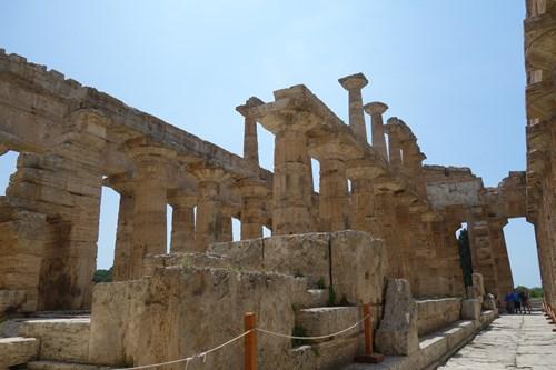 22 A Tam Nahooře (Paestum, Héřin Či Diův Či Apollónův Chrám)