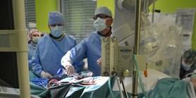 Interní kardiologická klinika FN Brno a LF MU nově využívá mimotělní krevní oběh při operaci srdce