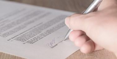 Novinky v trestním procesu s mladistvými, průhlednější kótované společnosti a uveřejňování smluv ČEZ
