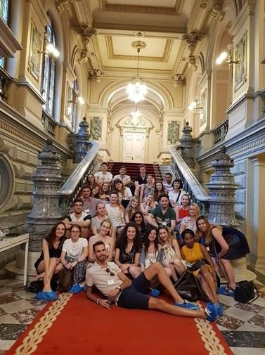 Skupina účastníků letní školy v Bukurešti. Foto: archiv autorky