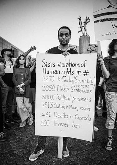 Foto: Protestující v Berlíně, Facebook