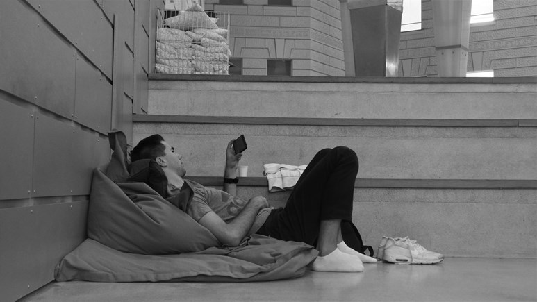 Pohodlné vaky v atriu jsou ideální k odpočinku. Foto: Radka Rybnikárová
