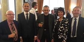 Ostravská univerzita udělila prof. Miloši Štědroňovi čestný doktorát