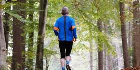 Vliv mHealth intervencí na pohybovou aktivitu, sedavost a spánek stárnoucí populace