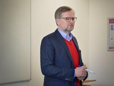Petr Fiala v roce 2002 inicioval vznik katedry mezinárodních vztahů a evropských studií a ujal se také jejího vedení. Foto: Eva Bartáková