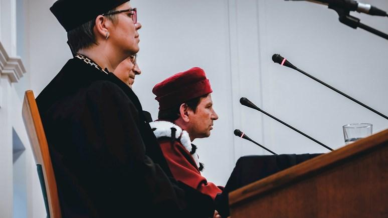Stanislava Balíka uvedl do funkce nový rektor Masarykovy univerzity Martin Bareš. Foto: Miloslava Némová