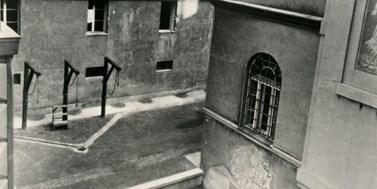 Pieta připomene oběti nacismu. Rektor vyhlásil volno