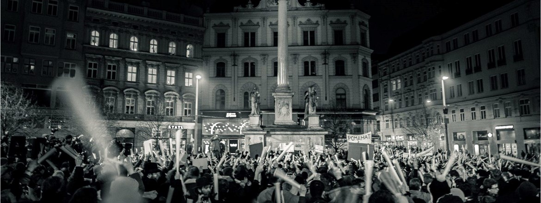 Dny revoluce a noc divadel