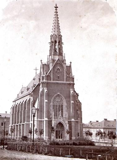 Červený kostel byl ve své době jedním z největších evangelických kostelů v katolických zemích. Zdroj: Václav Matoulek