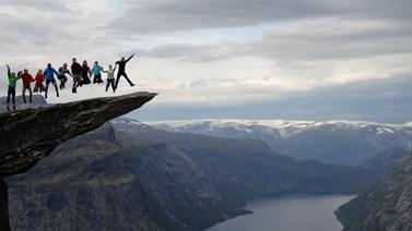 Oblíbené fotogenické místo Trolltunga v Norsku navštívil v době svého Erasmu Ondřej Svoboda. Zdroj: CZS