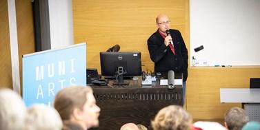 HR Award zařadí fakultu mezi prestižní mezinárodní výzkumné instituce