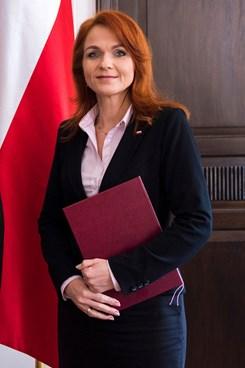 Pokutovaná Agnieszka Kaczmarska. Urzędniczka i polityk. 6. 4.2019, Sejm RP. CC BY 2.0