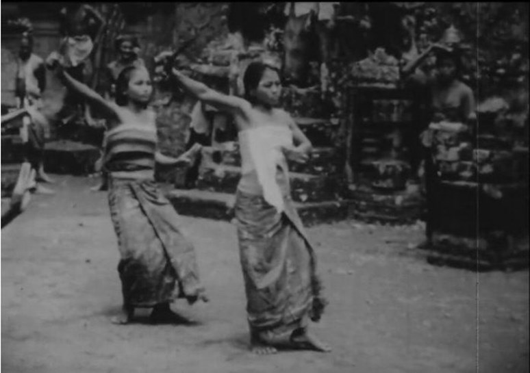 By Gregory Bateson, Margaret Mead - File:Trance and Dance in Bali.webm, Public Domain, https://commons.wikimedia.org/w/index.php?curid=73674142