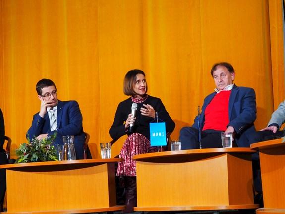 Demokratický stát má ctít lidská práva, shodli se odborníci na debatě Hovory o demokracii. Foto: Radka Rybnikárová