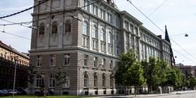 Rozhodnutí děkana - přístup studentů do knihovny a pro konzultace závěrečných prací, zkoušky, státní závěrečné zkoušky, služební cesty zaměstnanců