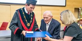 Smuteční oznámení: zemřel profesor Jaroslav Stejskal