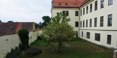 Památková ochrana byla rozšířena i na jezuitskou zahradu u našeho univerzitního centra