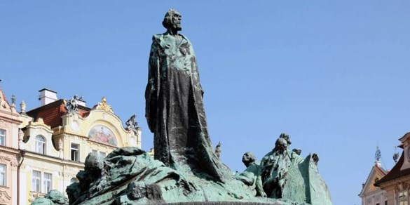 Už Jan Hus říkal: Akademický titul není důvod k nadřazenosti