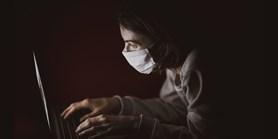 Studenti pomáhají v boji proti koronaviru pomocí paragrafů