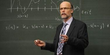 Odborníci varují před stárnutím a klesající pracovní schopností učitelů