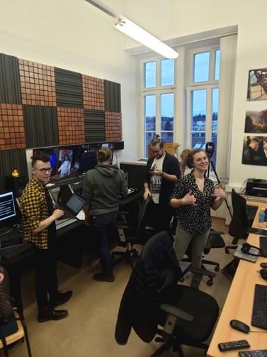 Redaktoři MUNI TV měli na přípravu prvního živého vstupu pouhé tři hodiny. Foto: Jakub Doubek