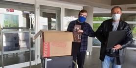 Fakulta darovala počítače dětem, mladým lidem a seniorům