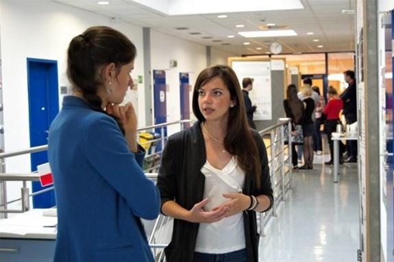 Studentky a studenti během Ph.D. konference 2019