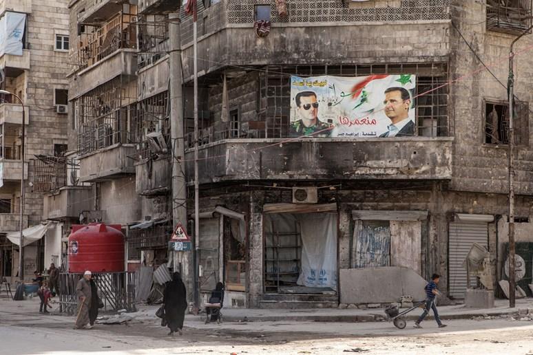 Asad v ruinách města. Archiv Markéty Kutilové