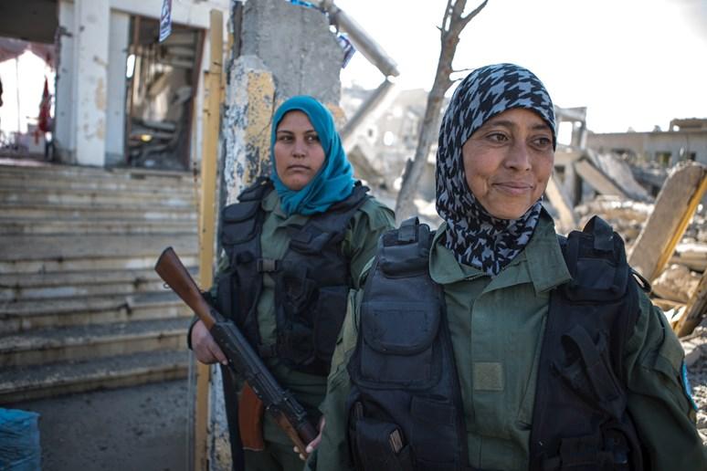 Jezídské ženy. Mnohé aktivně bojovaly proti džihádistům Islámského státu. Archiv Markéty Kutilové