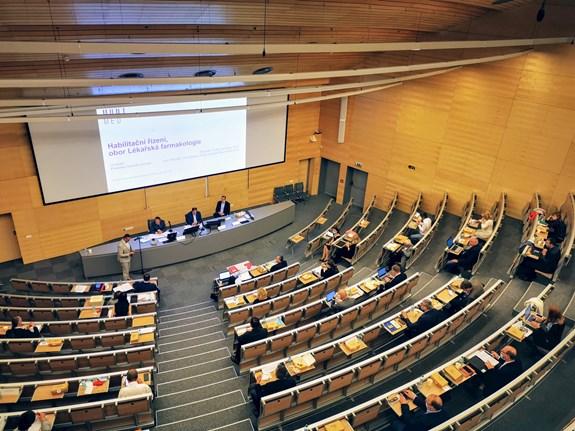 Foto: habilitačního řízení na LF MU, 2020