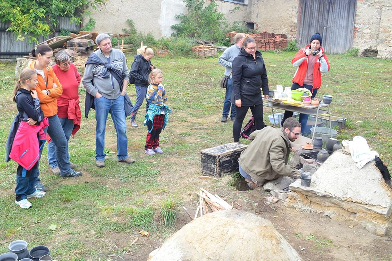 Mezinárodní den archeologie 2016 v Analytickém a experimentálním centru Panská Lhota.