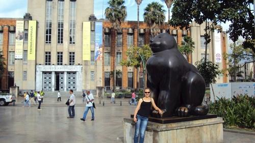 Archiv J. Hudcovské: Medellín, náměstí Botera