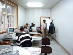 Počítačová učebna na Antonínské.