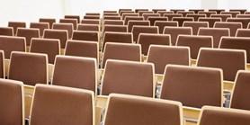 Masarykova univerzita omezila kontaktní výuku na 50 osob