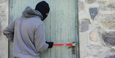 Spáchání trestného činu během nouzového stavu a vyšší trestní sazby